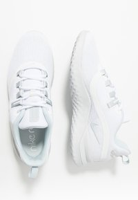 Nike Performance - RENEW RIVAL 2 - Juoksukenkä/neutraalit - white/pure platinum - 1