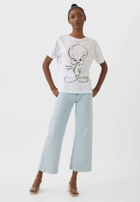 Stradivarius - TWEETY - Basic T-shirt - white - 1