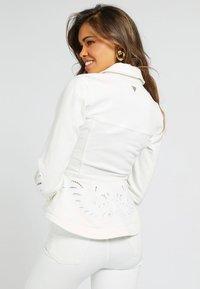 Guess - Denim jacket - weiß - 2