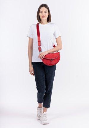 SUZA - Bum bag - red