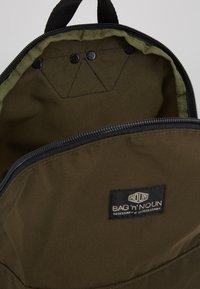 Bag N Noun - CANADA FLAP SAC - Rucksack - olive - 4