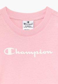 Champion - LEGACY AMERICAN CLASSICS UNISEX - Triko spotiskem - light pink - 3