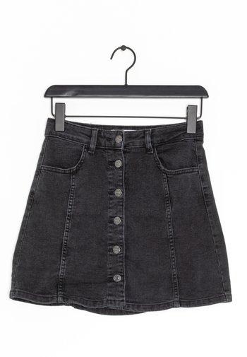 Spódnica trapezowa - black