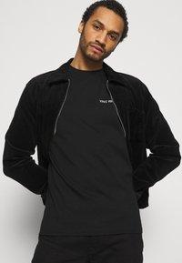 YAVI ARCHIE - Print T-shirt - black - 3