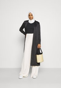 Missguided - MODESTY WIDE LEG - Tracksuit bottoms - cream - 1