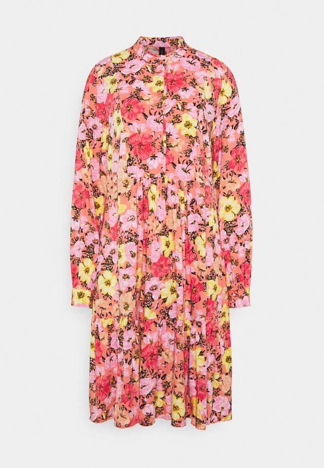 YASCAMELIA DRESS - Blousejurk - crabapple/camelia