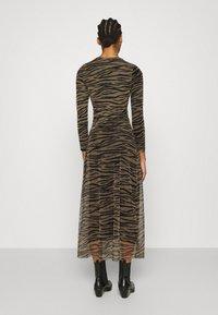 Calvin Klein Jeans - ZEBRA DRESS - Maxi dress - irish cream/black - 2