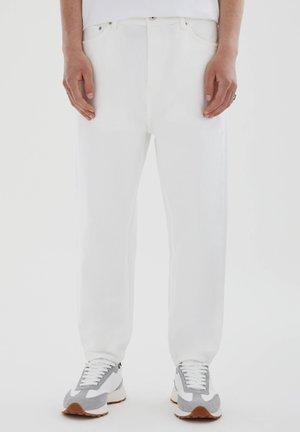 Relaxed fit -farkut - white