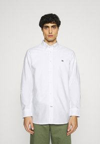 Tommy Hilfiger - CLASSIC OXFORD - Formal shirt - white - 0