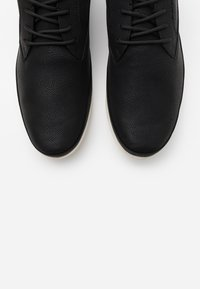 ALDO - JOHNIKINS - Casual lace-ups - black - 4