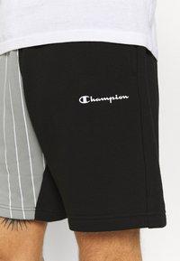 Champion - BERMUDA SHORT - Urheilushortsit - black - 3