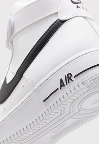 Nike Sportswear - AIR FORCE 1 '07  - Zapatillas altas - white/black