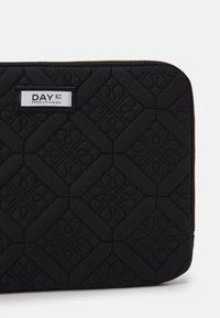 DAY ET - DAY GWENETH FLOTILE FOLDER  - Taška na laptop - black - 3