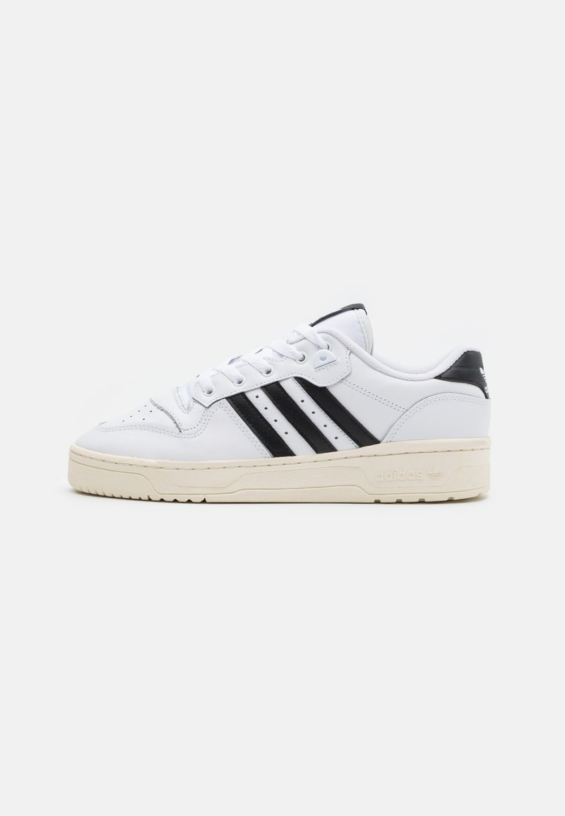 adidas Originals - RIVALRY SPORTS INSPIRED SHOES UNISEX - Zapatillas - footwear white/core black/offwhite
