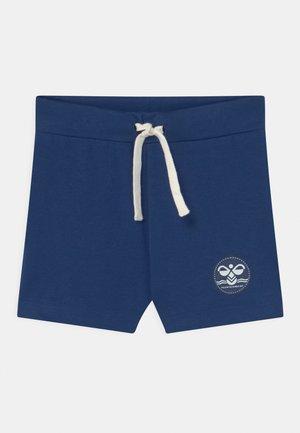 ALFRED UNISEX - Pantalón corto de deporte - estate blue