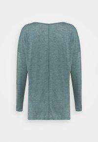 Nike Performance - DRY LAYER  - T-shirt sportiva - hasta/heather/light pumice/dark teal green - 7