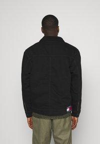 Tommy Jeans - UNISEX - Denim jacket - kalmar black - 2