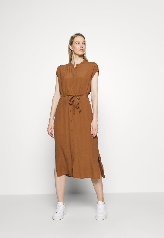 QUITO - Shirt dress - roasted hazel