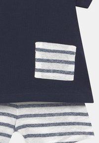 Petit Bateau - ENSEMBLE SET - Print T-shirt - white/dark blue - 3