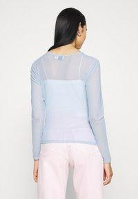 NA-KD - ASYMMETRIC GATHERED - Long sleeved top - blue - 2