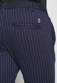 Anerkjendt - BUDDY PANTS - Trousers - sapphire - 3