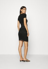 Guess - REGINA SKIRT - Pencil skirt - jet black - 2