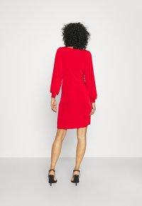 Closet - LONDON TWIST PENCIL DRESS - Jersey dress - red - 2