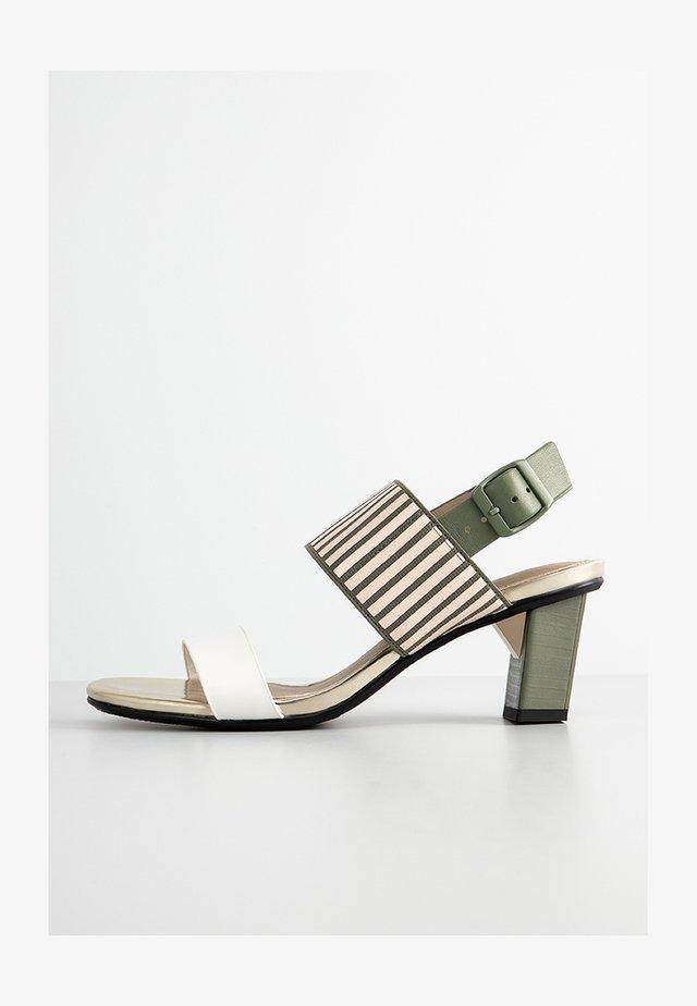 Sandals - dusk