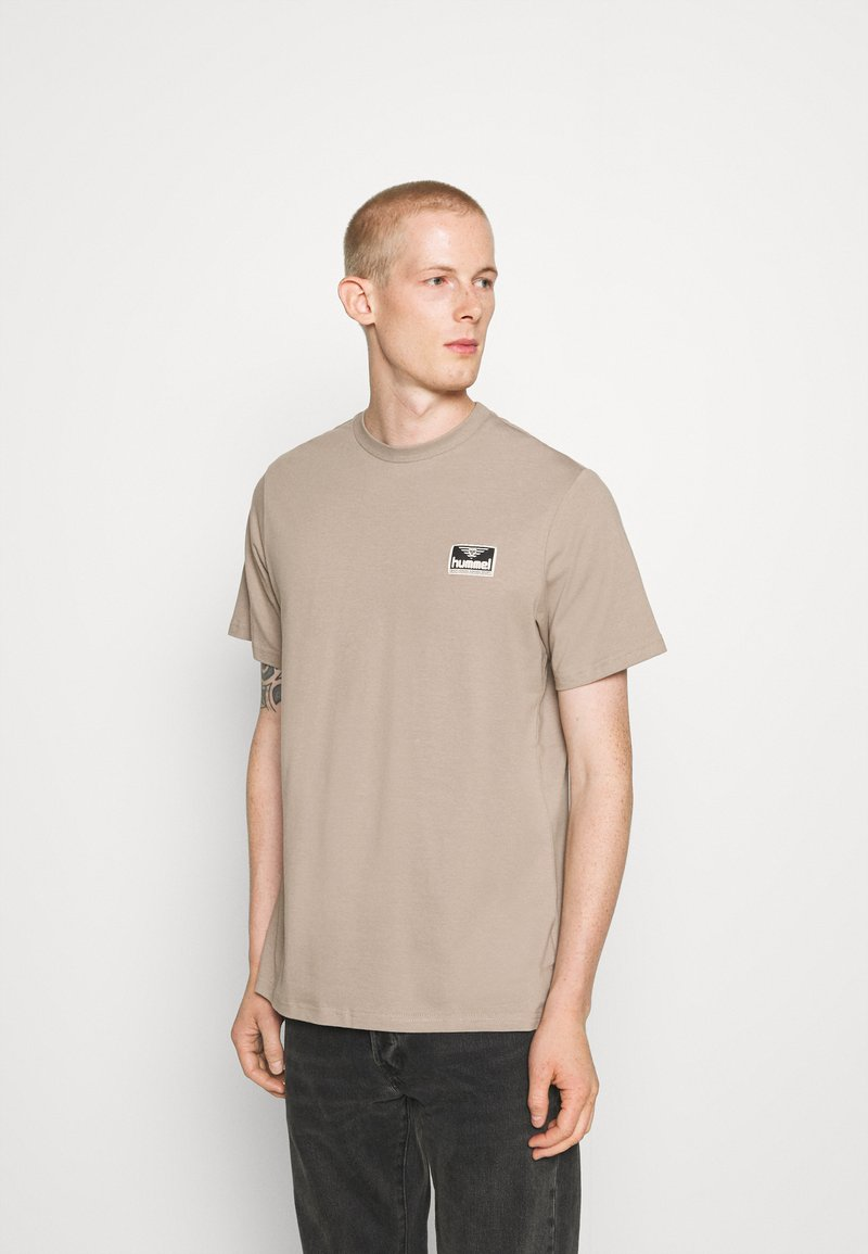 Hummel Hive - FERIE UNISEX - T-shirts med print - driftwood