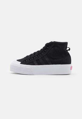 NIZZA PLATFORM MID - Zapatillas altas - core black/footwear white/shock pink