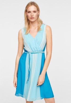 MIT FARBVERLAUF - Day dress - turquoise