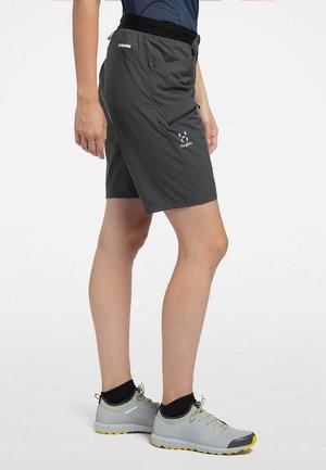 KURZE WANDERHOSE L.I.M FUSE WOMEN - Outdoor shorts - magnetite