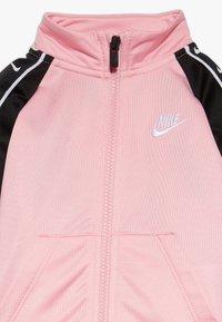 Nike Sportswear - TRICOT TAPING SET - Trainingsanzug - pink - 6