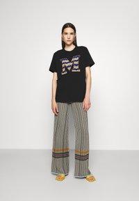 M Missoni - SHORT SLEEVE - Print T-shirt - black beauty - 1