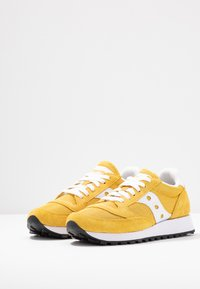 Saucony - JAZZ VINTAGE - Trainers - yellow/white - 4