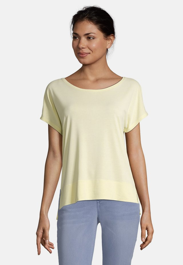MIT ÜBERSCHNITTENEN ÄRMELN - Basic T-shirt - gelb