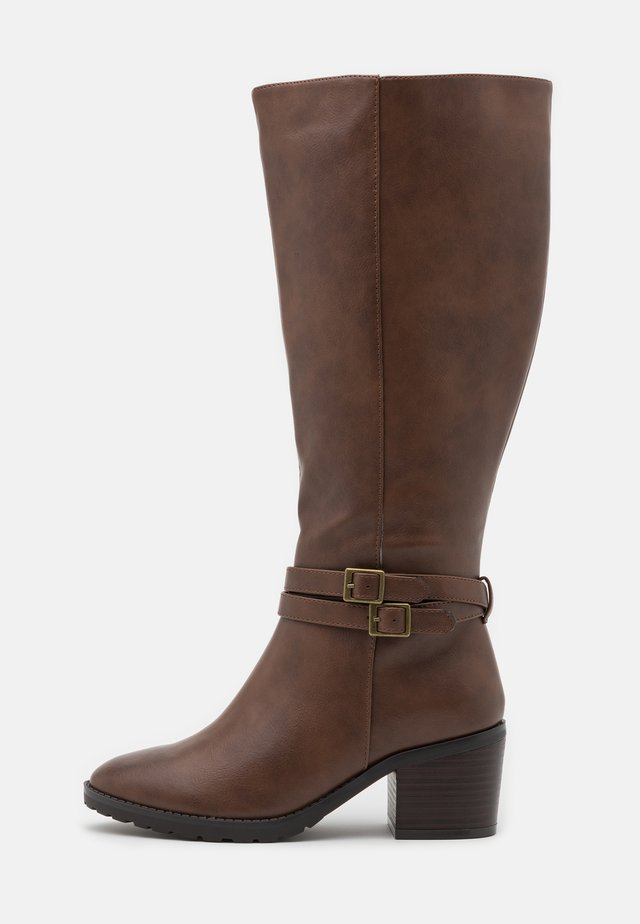 WIDE FIT HEELED LONG BOOT - Vysoká obuv - brown