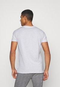 Burton Menswear London - TEE 3 PACK - Camiseta básica - navy - 2