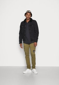 Alpha Industries - PETROL PATCH - Cargo trousers - oliv - 1