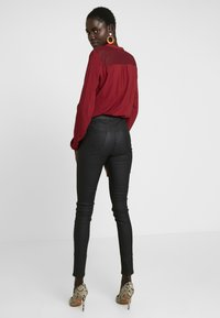 New Look Tall - COATED HALLIE DISCO - Kalhoty - black - 3
