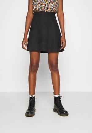 VIFADDYPEN SKATER SKIRT - Áčková sukně - black