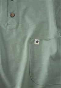 Cigit - POCKET - Print T-shirt - metallic green - 2
