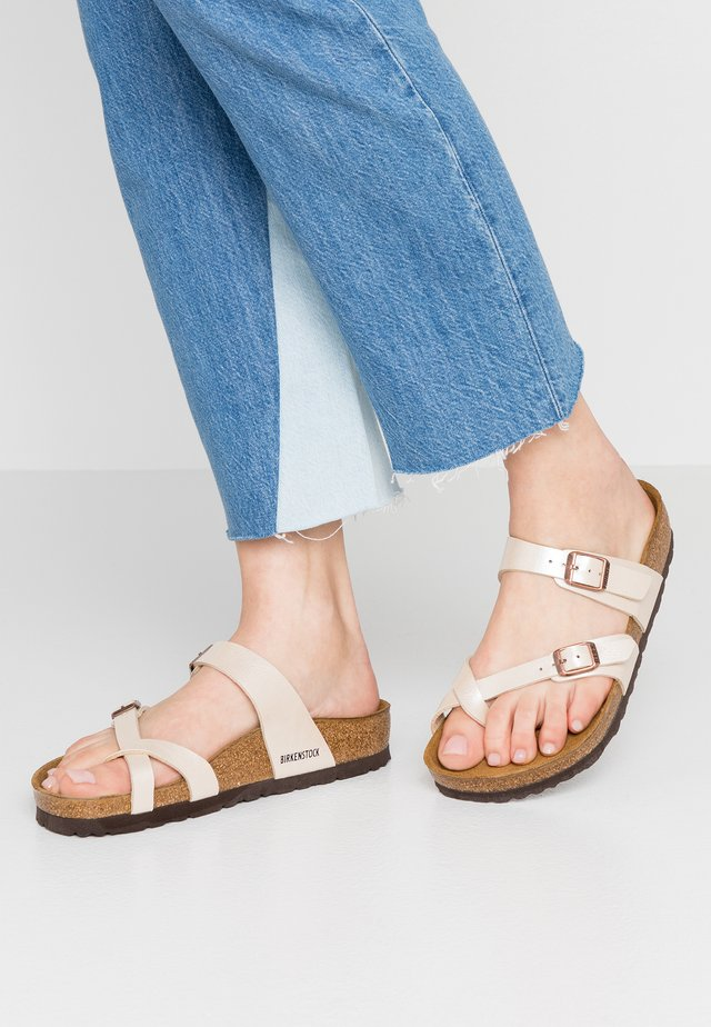 MAYARI - Sandály s odděleným palcem - graceful pearl/white