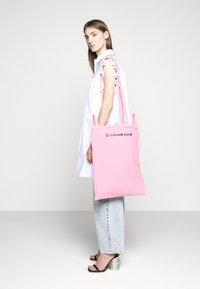 MM6 Maison Margiela - Shopping bag - pink - 0