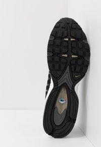 Nike Sportswear - AIR MAX TAILWIND IV - Baskets basses - black/khaki/iron grey/white - 4