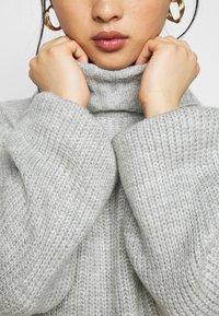 Miss Selfridge Petite - COSY ROLL NECK MINI DRESS - Pletené šaty - grey - 6