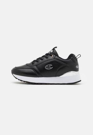 LOW CUT SHOE RR CHAMP PLATFORM  - Sports shoes - black/silver