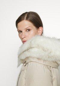MAX&Co. - ALGEBRA - Down jacket - ivory - 4