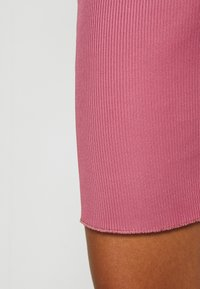 Missguided - RACER NECK CROP AND CYCLING SET - Shorts - pink - 9
