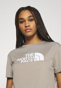 The North Face - TEE - T-shirts med print - mineral grey - 3
